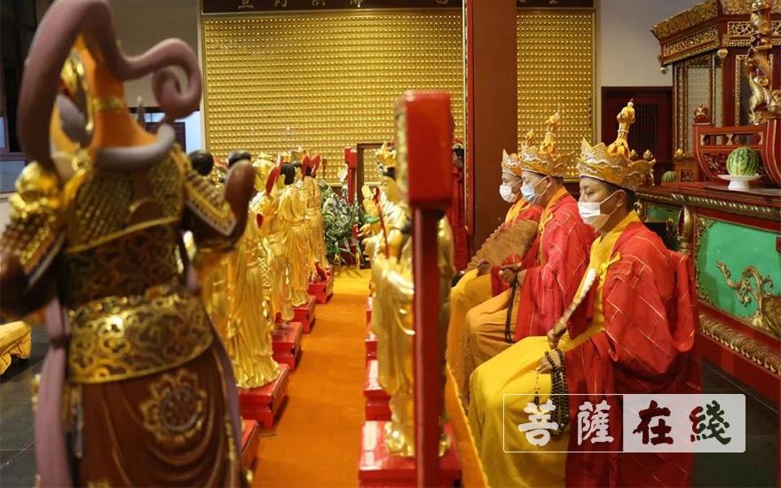 《【摩登平台app登录】上海七宝教寺圆满举行庚子年大供天、拜星宿祈福法会》