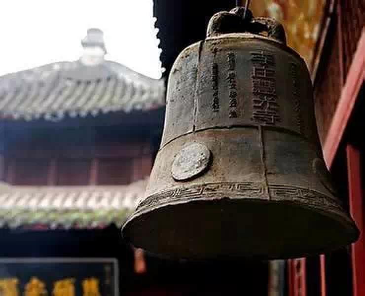 寺庙钟手绘图片
